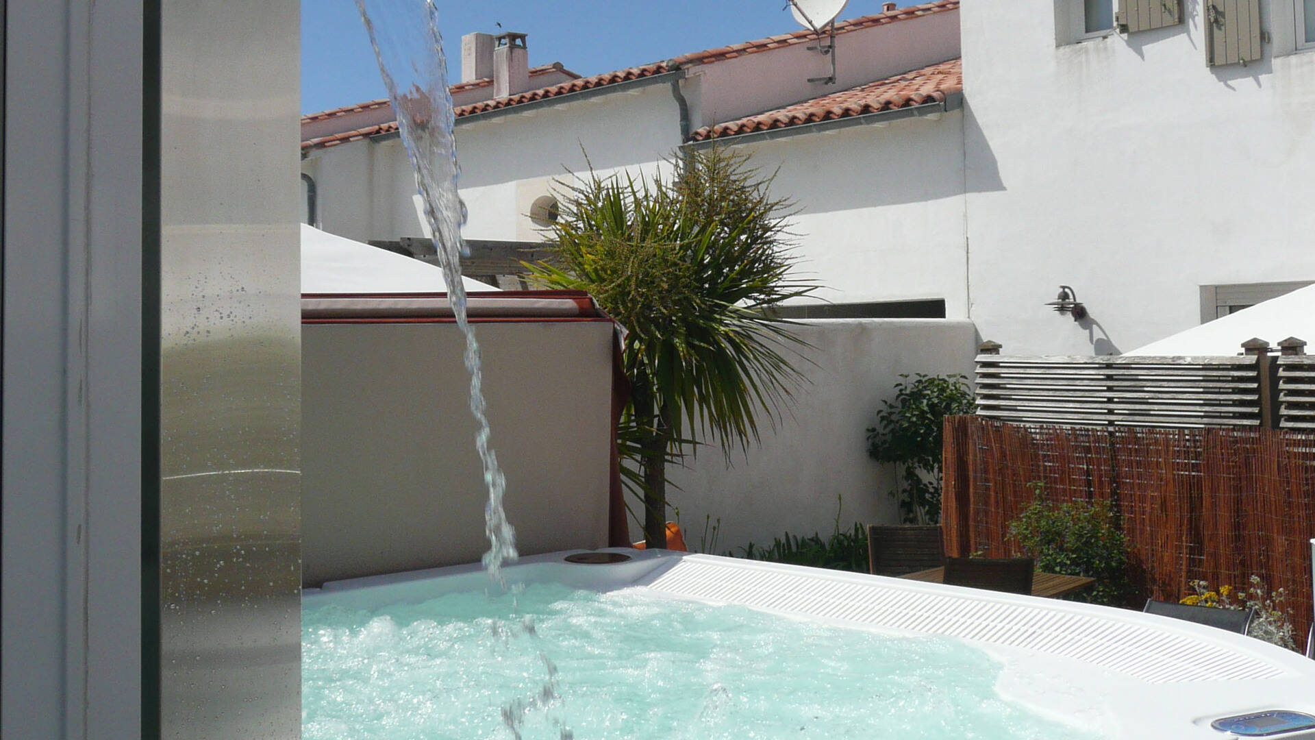 île de ré holiday house and villa rental with jacuzzi