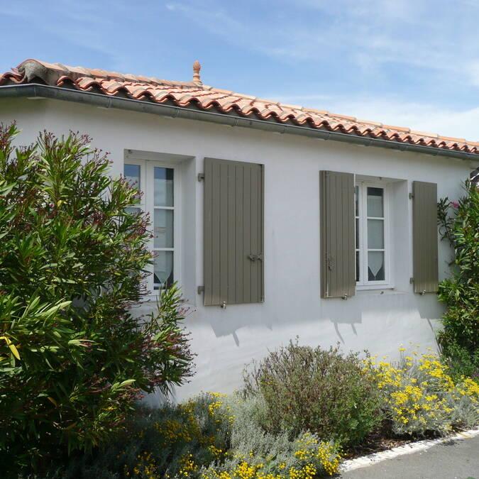 location  de villa et appartement  en mai sur l'ile de ré résidence andrea