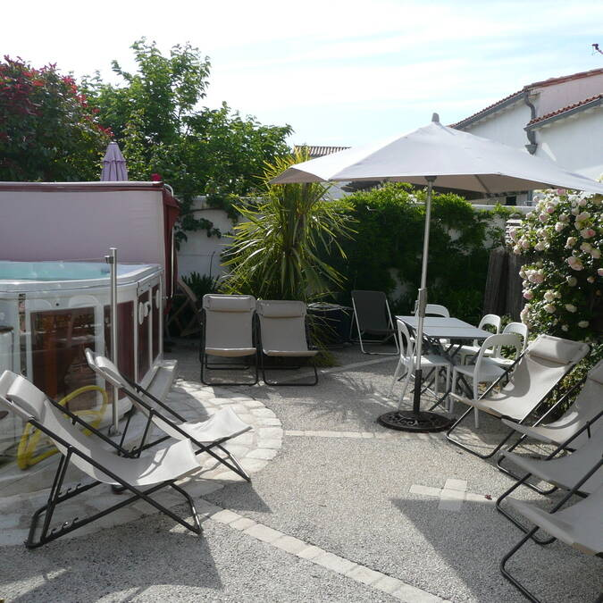 ILE DE RE LOCATION DE MAISON AVEC PISCINE